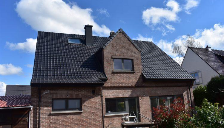 Nieuw dak laten plaatsen in Lennik