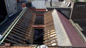 Rénovation de toiture: suppression de l'ancien abri et isolation